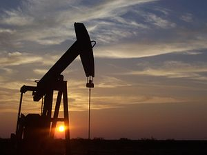 300px-West_Texas_Pumpjack